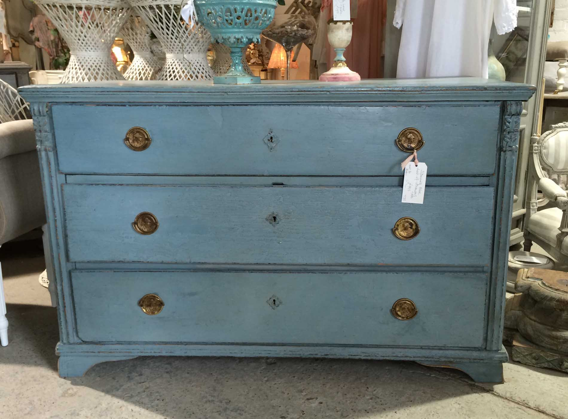 Stunning blue chest of drawers unit 30