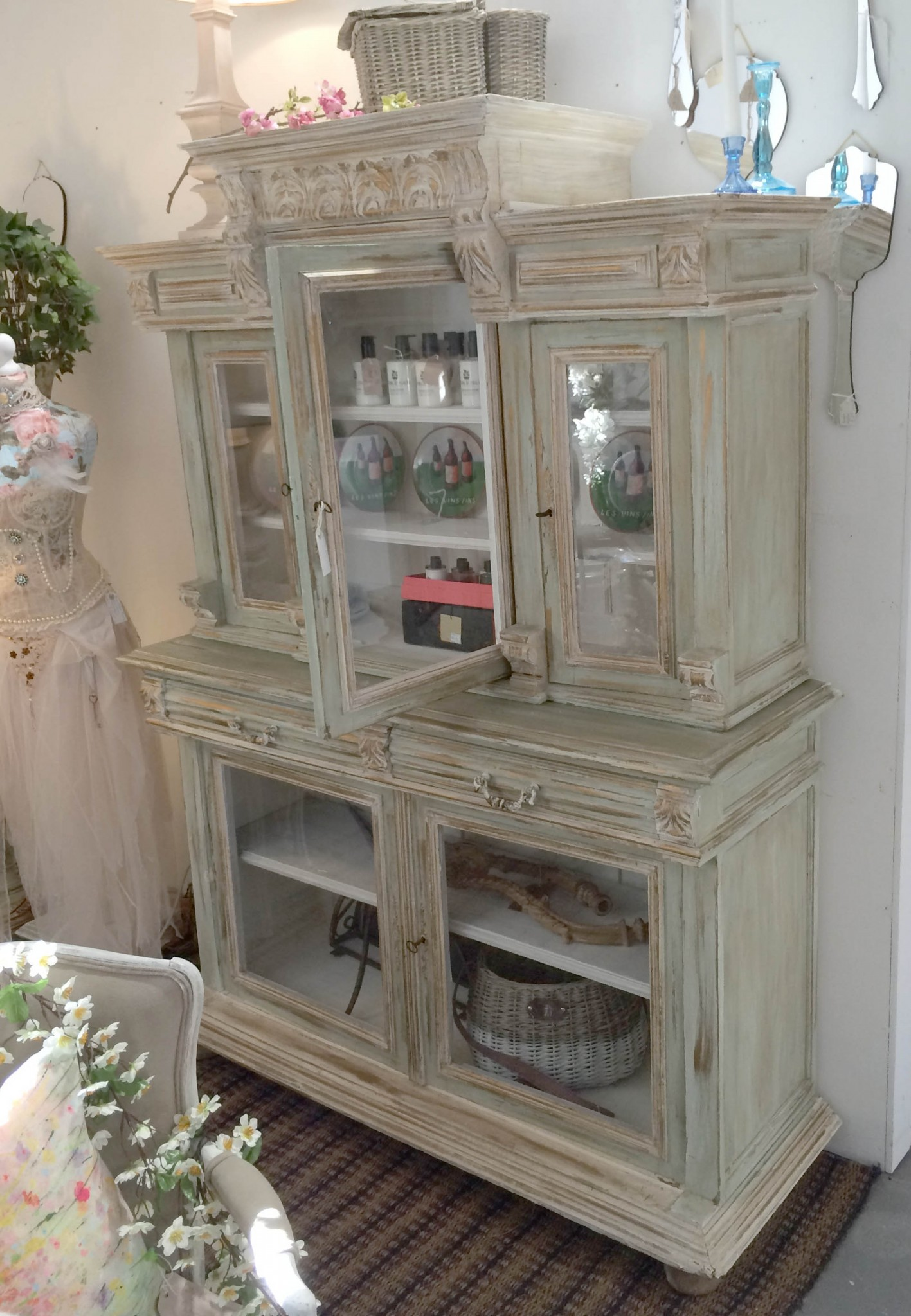 French decorative dresser