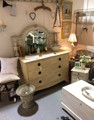 english-chest-of-drawers-unit-22-interiors