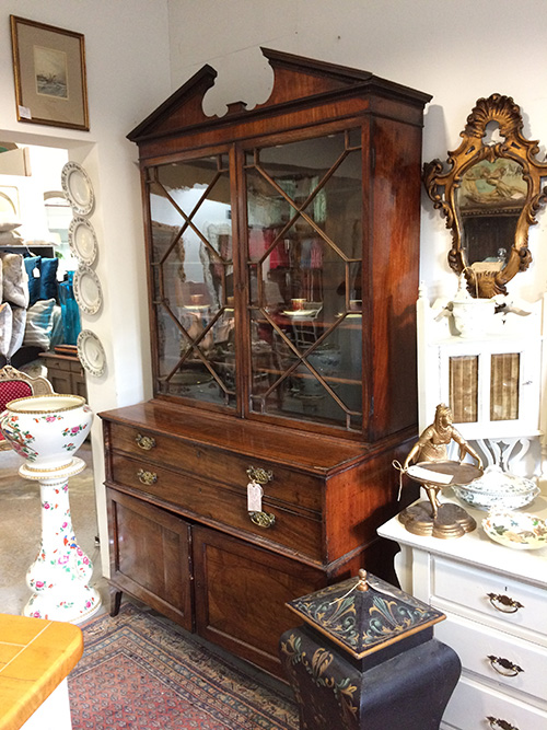 Georgian compatments, Unit 56, Antiques