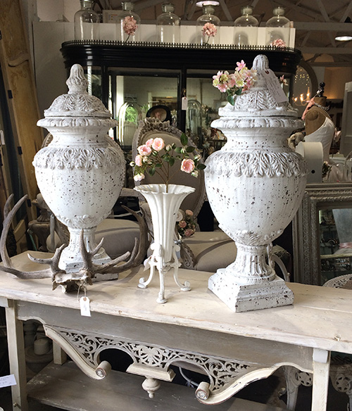Indoor decorative urns, Unit 30 Interiors